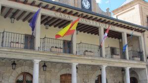 Fachada Ayuntamiento Burgo de Osma (Soria) (2)